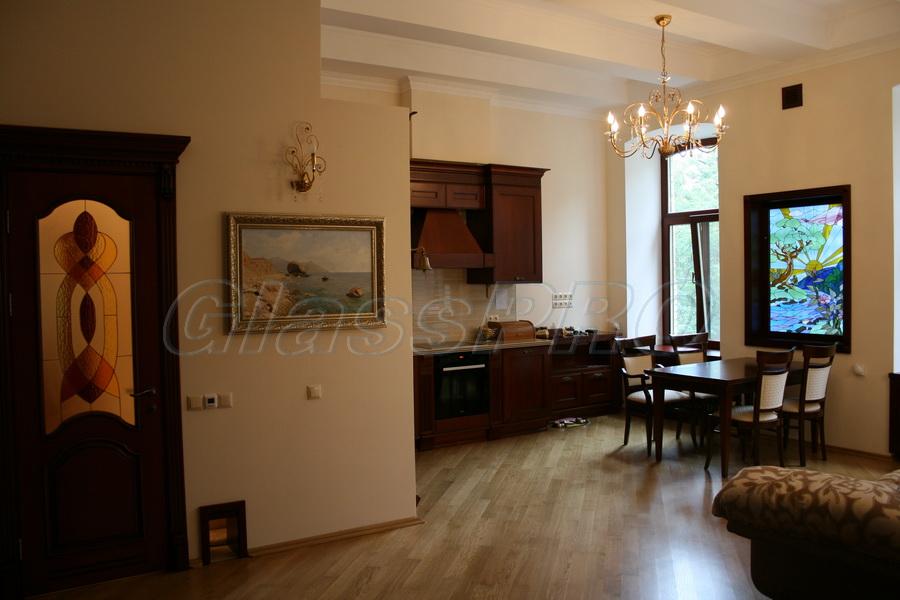 Витраж Тиффани в оформлении интерьера, квартира - Киев
