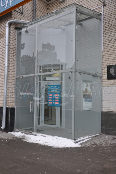 "All-glass vestibule shopfront, ""Bank of Cyprus"" - Kyiv"