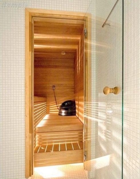 Модель SN-01. Стеклянная дверь для бани и сауны из прозрачного стекла с круглой ручкой из ольхи