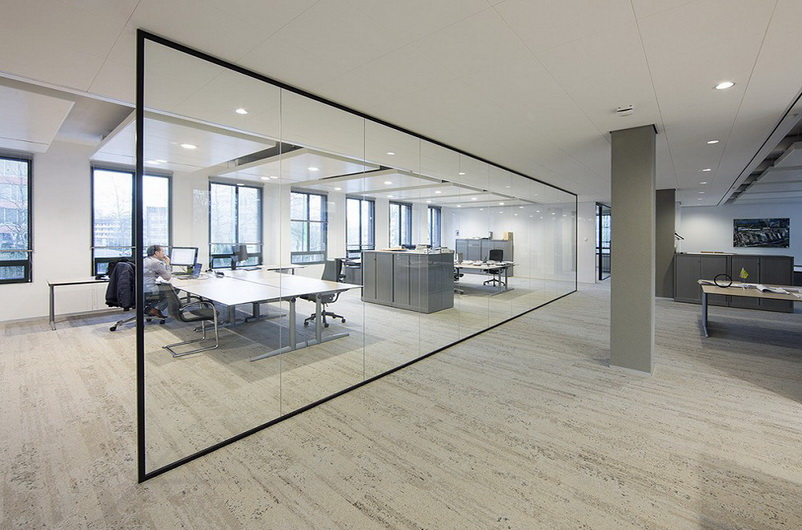 Glass office partitions without a door
