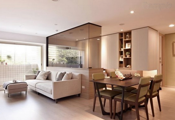 Glass partitions in living room