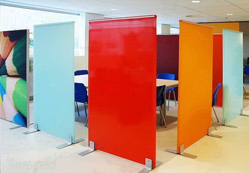 Мобільні скляні перегородки - великий вибір кольорових рішень