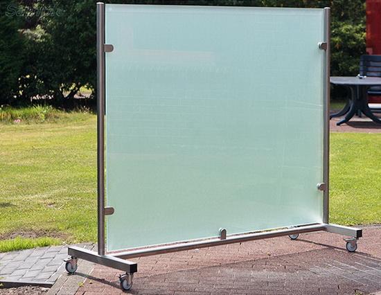 Мобильная стеклянная перегородка