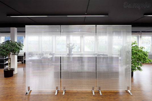Мобильные офисные перегородки из узорчатого стекла