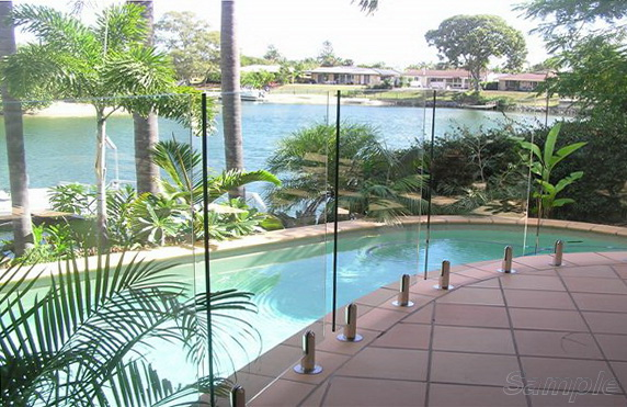 Triplex - glass pool railing