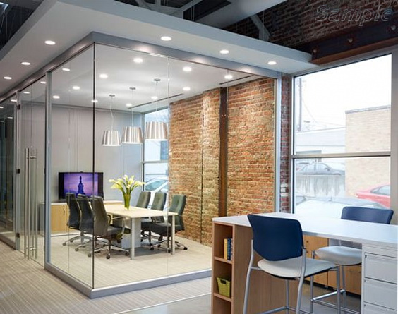 Glass office partitions with double swing door in aluminum frame