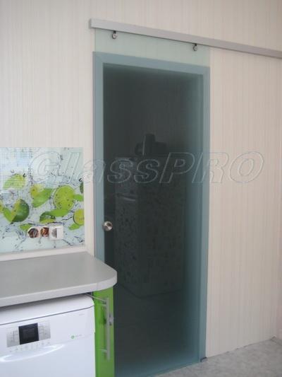 Раздвижные двери из матового стекла