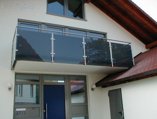 Model GF-02. Frame glass balcony railing with clips