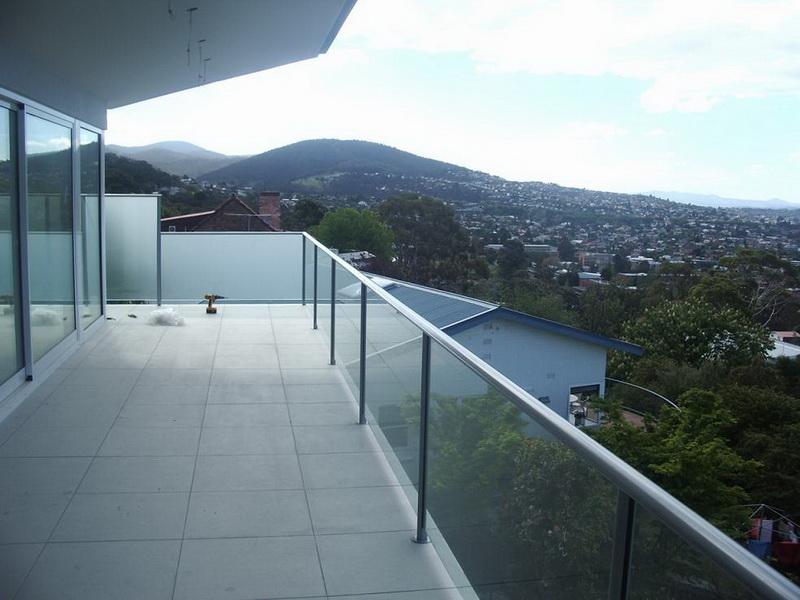 Model GF-01. Frame glass terrace railing