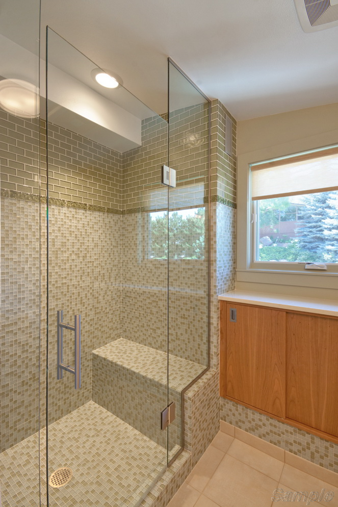 Model SD-04. Glass shower door between two fixated elements