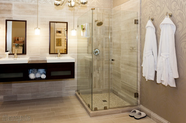 Model SC-02. Corner glass shower cabin with hinged door and tile tray