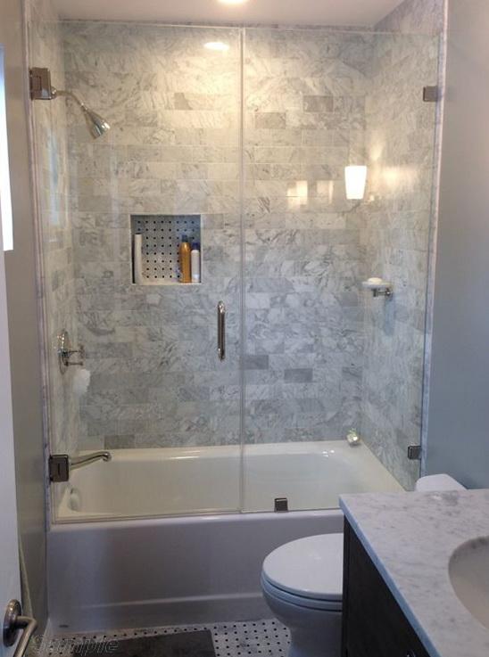 Модель BS-03. Распашная стеклянная шторка для ванны в комбинации с фиксированным элементом