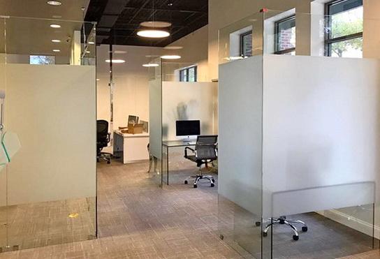 """Угловые стеклянные офисные перегородки без двери- <span style=""""color: #ffff00;""""> Увеличить!</span>"""