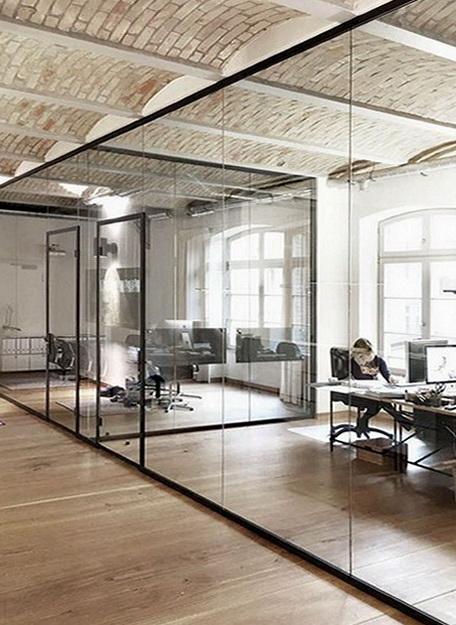 """Стеклянные офисные перегородки в алюминиевой коробке - <span style=""""color: #ffff00;""""> Увеличить!</span>"""