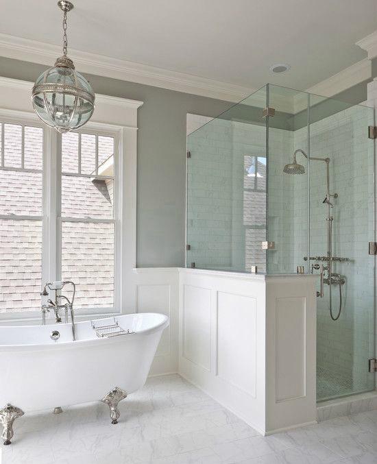 """Ванна и душевая кабина органично размещены в одном просторном помещении - <span style=""""color: #ffff00;"""">Увеличить!</span>"""
