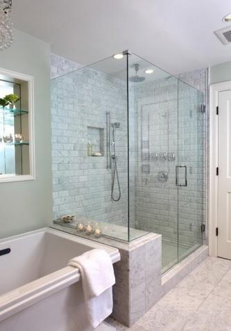 """Стены и элементы интерьера ванной комнаты могут стать частью стеклянной душевой кабины - еще одно достоинство индивидуального заказа - <span style=""""color: #ffff00;"""">Увеличить!</span>"""