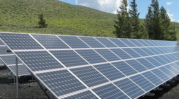 """Закаленное стекло - надежная защита от града уязвимых фотоэлементов солнечной батареи.<span style=""""color: #ffff00;""""> Увеличить!</span>"""