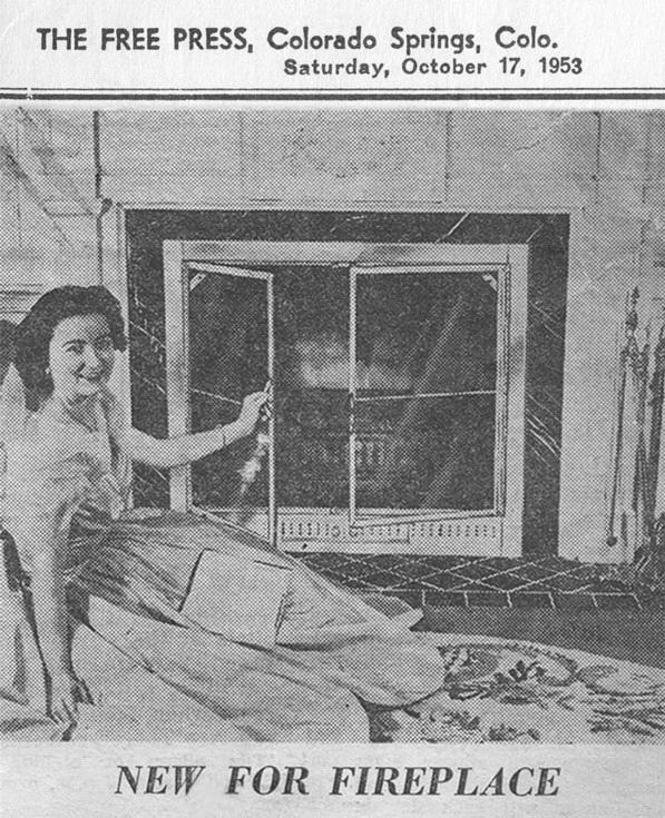 """Новая продукция в 1953 году - дверцы для камина из закаленного стекла, вызвала интерес прессы - <span style=""""color: #ffff00;""""> Увеличить!</span>"""