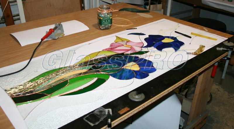 """Процесс изготовления витража Тиффани в мастерской """"ГлассПро"""" - <span style=""""color: #ffff00;"""">Увеличить изображение!</span>"""